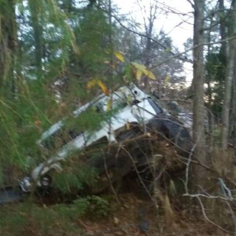 El conductor tuvo varias heridas, pero no de gravedad. Foto:vía Facebook/Michael Clary