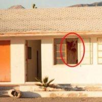 """Dentro de una de las habitaciones se aprecia una mancha roja. Al respecto, el fotógrafo y también usuario de Reddit que subió dicha foto, """"BDeans75"""", mencionó: """"Tengo que regresar al lugar y ver si esa mancha es sangre real"""". Foto:Vía Reddit"""
