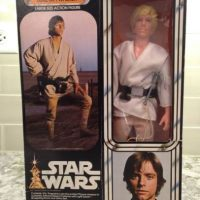1. Kenner Vintage Star Wars Luke Skywalker Farmboy de 12 pulgadas. Foto:vía ebay.com