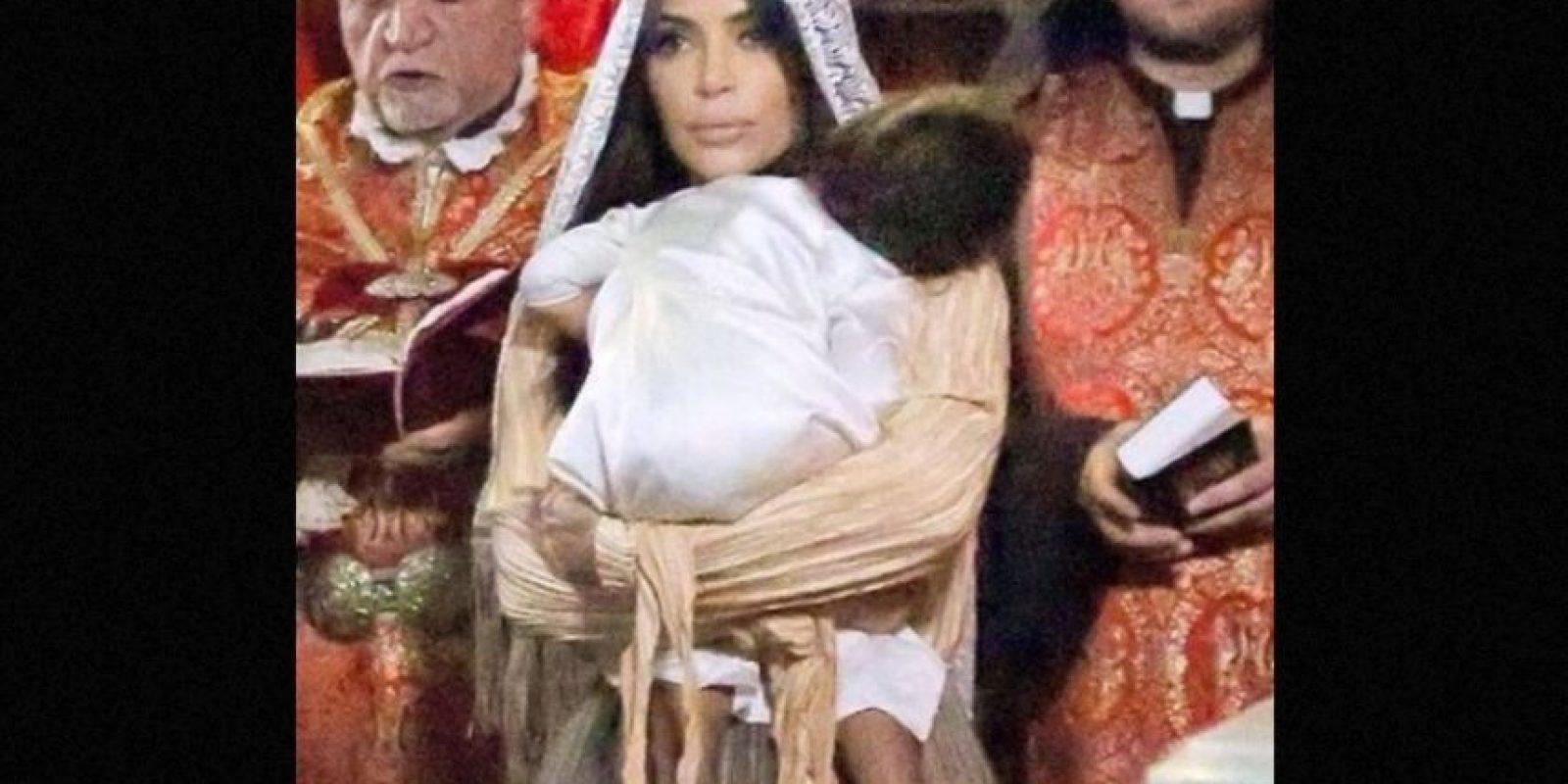 """""""Bautizar a North en Jerusalén, en una iglesia armenia con nuestro bebé en mi vientre, fue tan especial"""", escribió la socialité en Junio de 2015 Foto:Instagram/kimkardashian"""