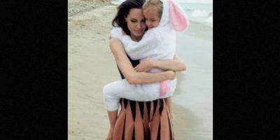 Angelina con su pequeña Vivienne Foto:Vogue Magazine/Annie Leibovitz