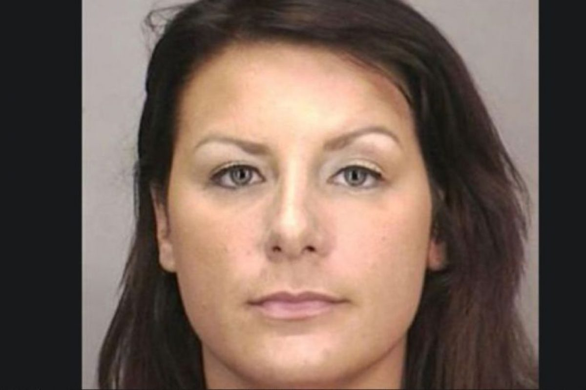 Tara Driscoll fue arrestada por tener relaciones sexuales con un estudiante menor de edad en un motel de Nueva York Foto: Nassau County Police Department