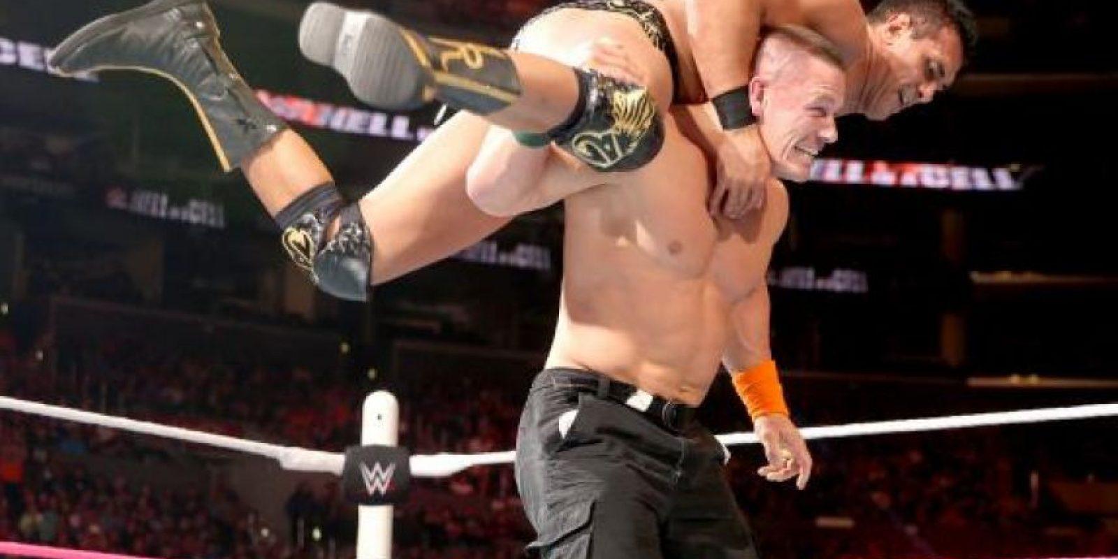 """La canción """"You can't see me"""", tema con el que ingresa al ring, fue lanzada el 10 de mayo de 2005 Foto:WWE"""