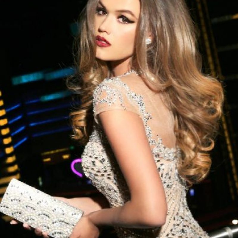 Annelies Törös es Miss Bélgica Foto:vía facebook.com/MissUniverse