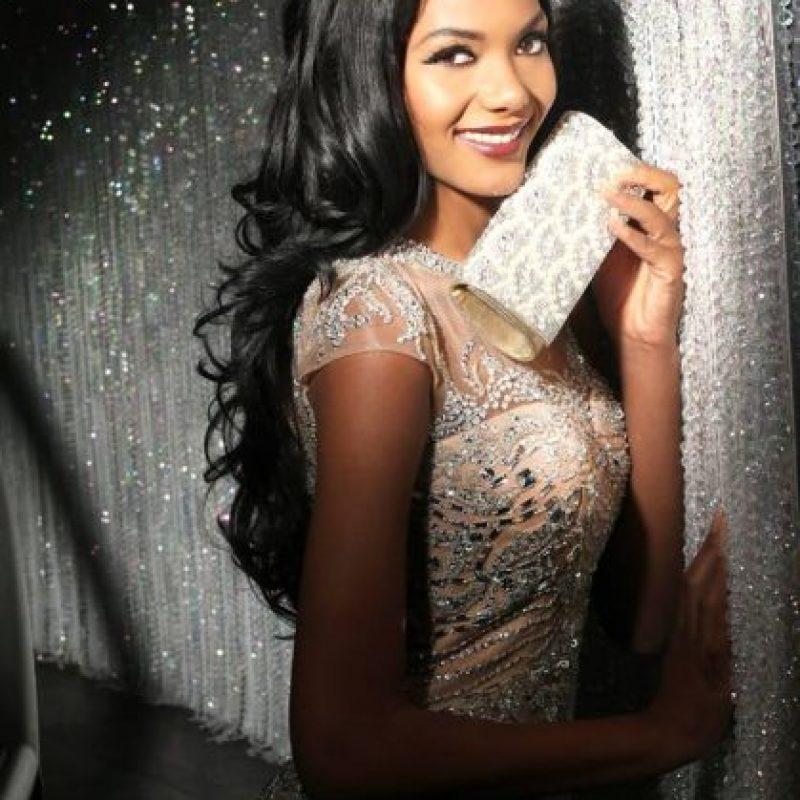 Whitney Houston A. Shikongo es Miss Angola Foto:vía facebook.com/MissUniverse