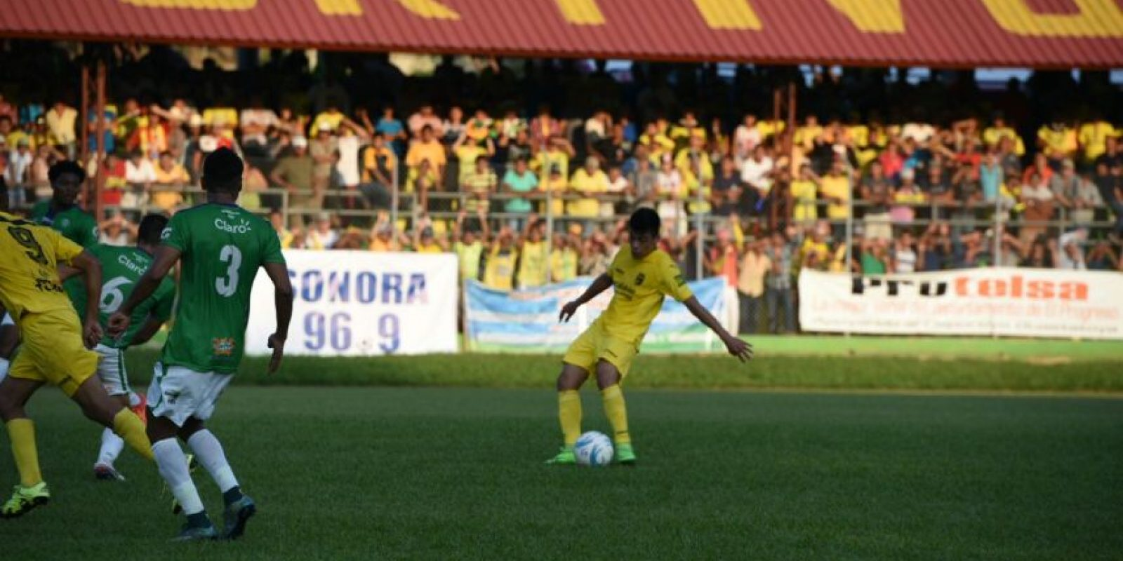El 2-1 para el local prevaleció entre Guastatoya y Antigua GFC después de los primeros 90 minutos de la final. Foto:Oliver de Ros