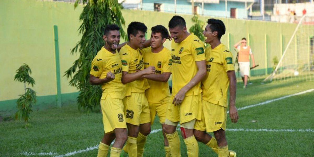 #Apertura2015 Guastatoya logra un triunfo histórico y acaricia el título