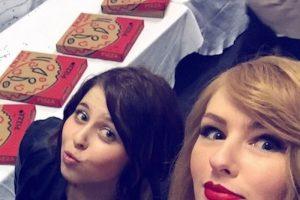 """Luego de cortarse y aclararse el cabello como la cantante de Bad Blood, la joven ha sido confundida con la """"estrella pop"""" Foto:Instagram/olivia_oblivious"""
