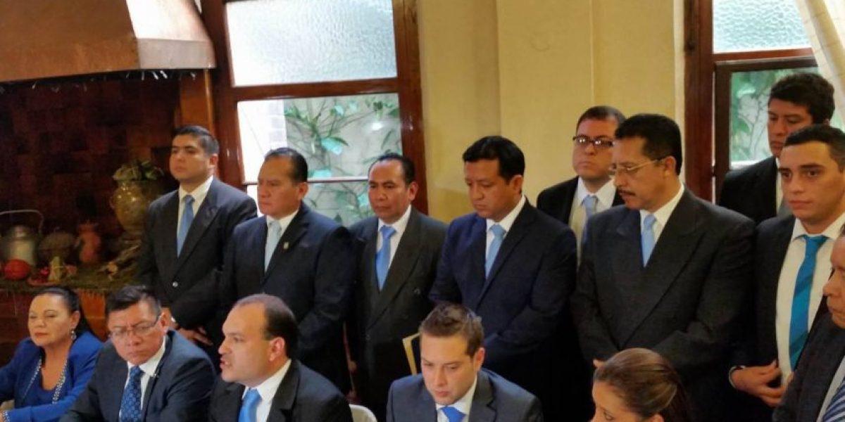 Diputados renuncian a bancada Líder, pero no se consideran tránsfugas