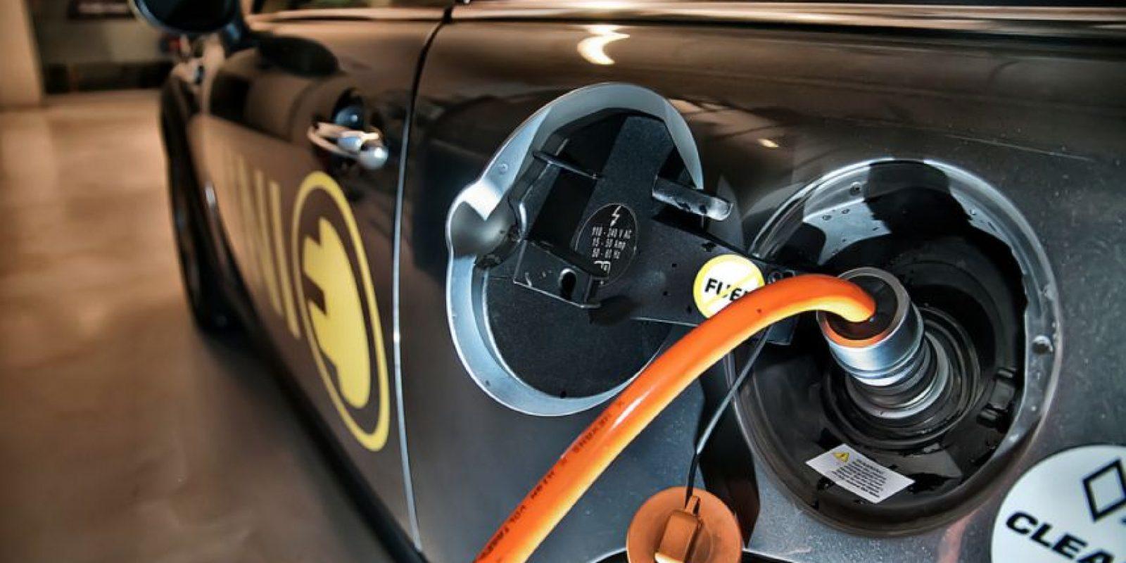 Por esa razón, está interesada en el progreso de la industria automotriz. Foto:Vía Flickr