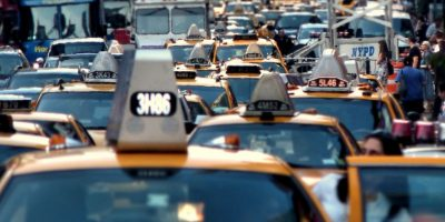 EPA: Empresas automotrices incumplen con límite de emisión de gases de inverdadero