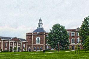 Bryan decidió encontarse con su nieto en la escuela City High School Foto:Google Maps