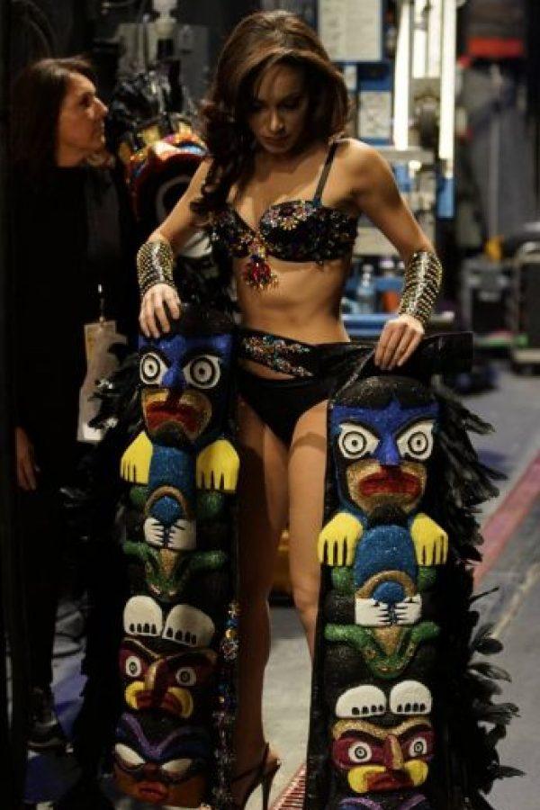 Los tótems son lo menos funcional y estorboso que se ha visto en un vestido. Foto:vía Facebook/Miss Universe