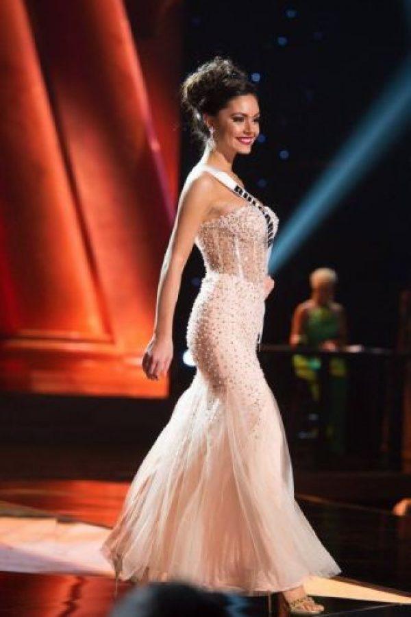 El contraste entre torso y cintura es muy marcado. Foto:vía Facebook/Miss Universe