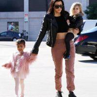 Con tan solo dos años, la hija de Kim Kardashian ya es toda una celebridad. Foto:Grosby Group