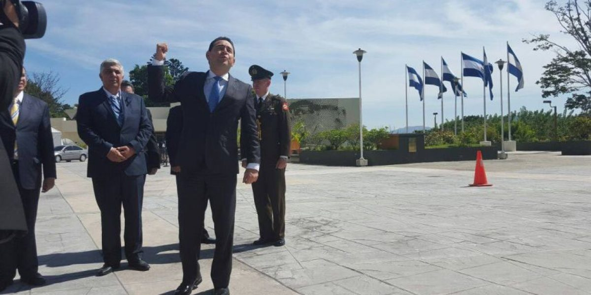 Presidente Alejandro Maldonado y gobernante electo Jimmy Morales participan en XLVI cumbre del Sica