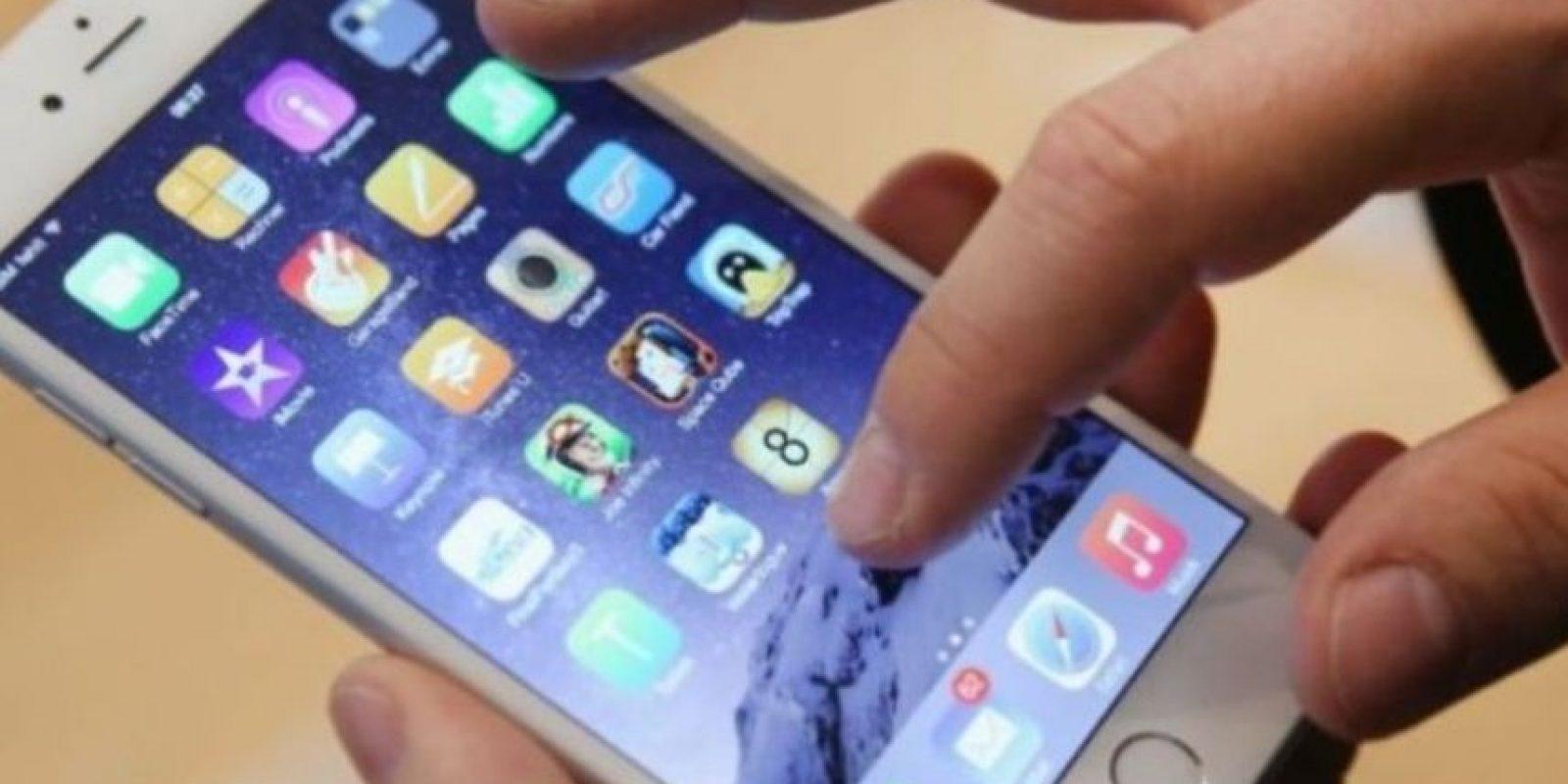 """Los iPhones con problemas """"se vendieron principalmente entre septiembre de 2014 y enero de 2015"""". Foto:Getty Images"""