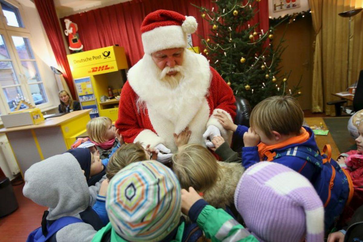 Por eso visita escuelas Foto:Getty Images