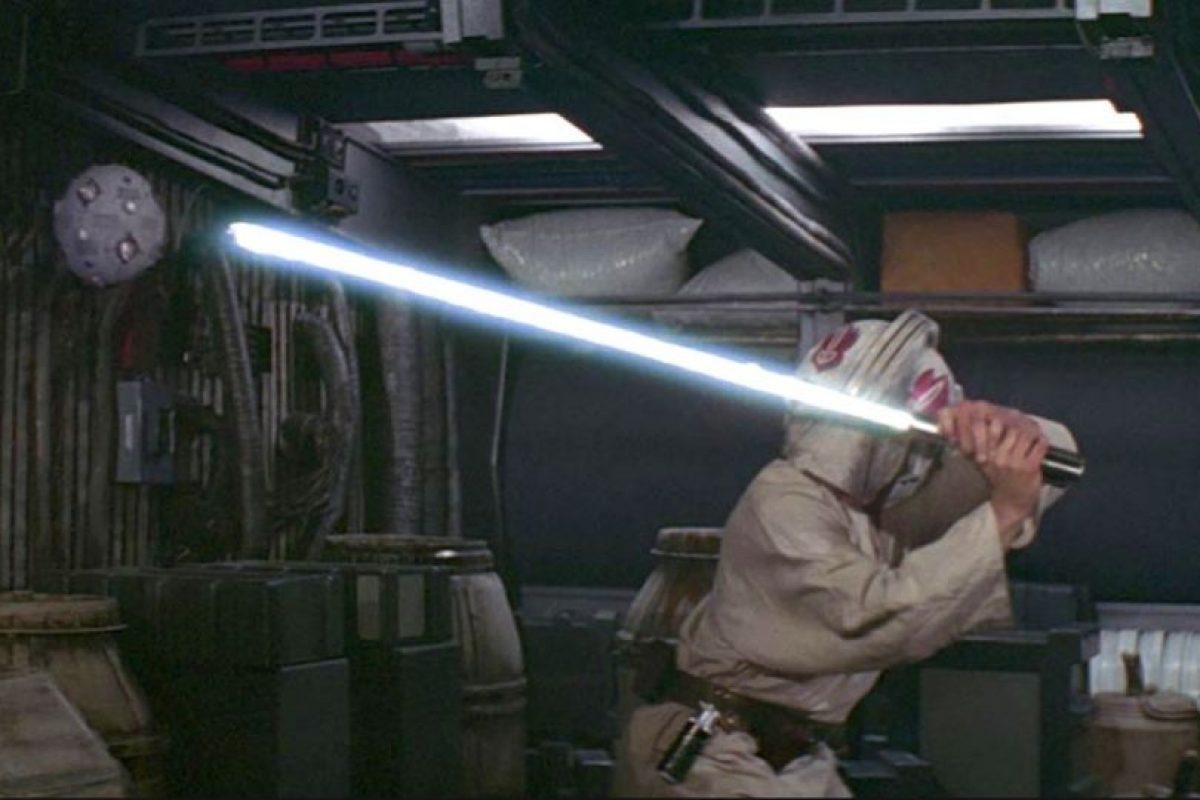 Así aprendió Luke Skywalker a manejar su láser Foto:Universal Studios