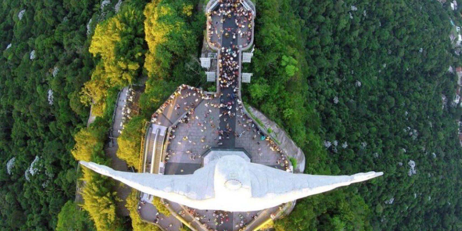 Cristo Redentor desde arriba, en Río de Janeiro, Brasil Foto:Vía Dronestagr.am