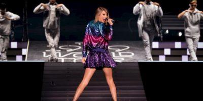 En julio, Taylor le donó 50 mil dólares a una fan que es víctima del cáncer. Foto:Getty Images