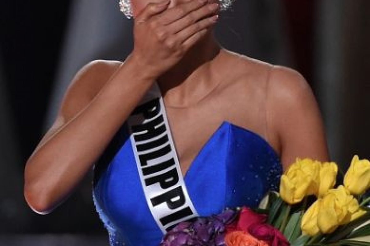 Y finalmente, fue entregada a su dueña, Miss Filipinas. Foto:Getty Images