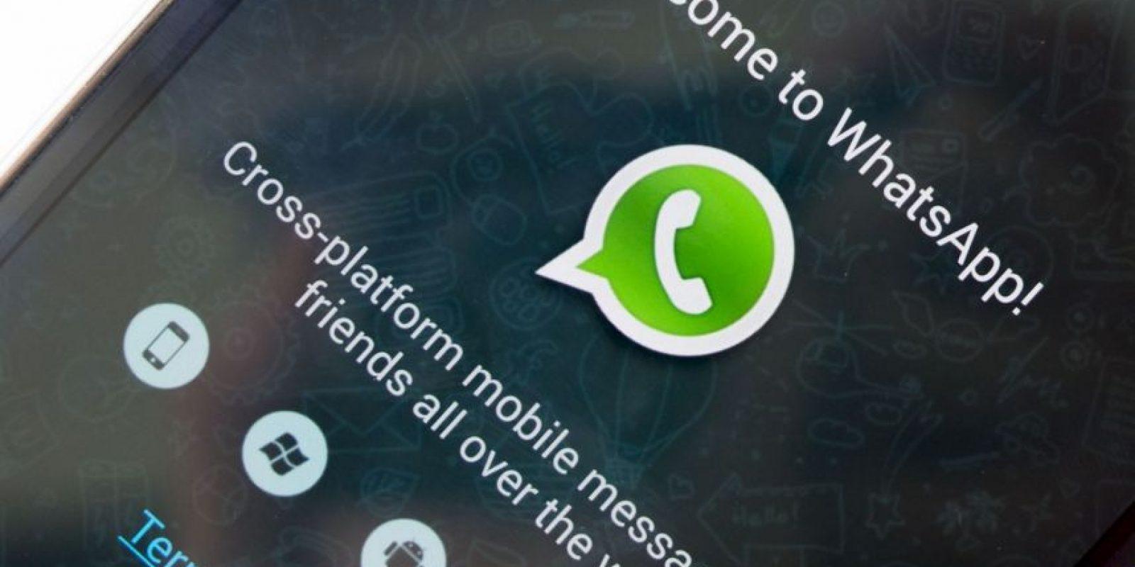 ¿Un WhatsApp azul? Esta supuesta nueva versión de la app prometía opciones de personalización aunque únicamente inscribía a los usuarios a un servicio que les cobraba varios dólares sin darles ninguna recompensa. Foto:vía Tumblr.com