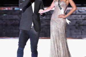 El presentador y comendiante Steven Harvey cometió un catastrófico error al anunciar como ganadora a Ariadna Gutiérrez, Miss Colombia como ganadora del certamen. Foto:Getty Images