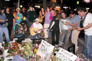 6. Ringo Starr reveló que le gustaban las gominolas, desde entonces las fans les arrojaban ese dulce en cada concierto. Foto:Getty Images