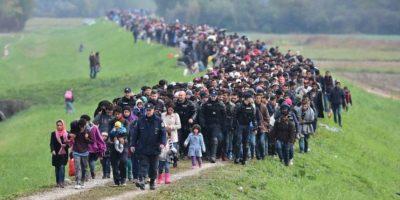 La gran mayoría ahogados en el Mar Mediterráneo, como el caso del niño Aylan Kurdi, quien fue encontrado sin vida en playas de Turquía. Foto:Getty Images