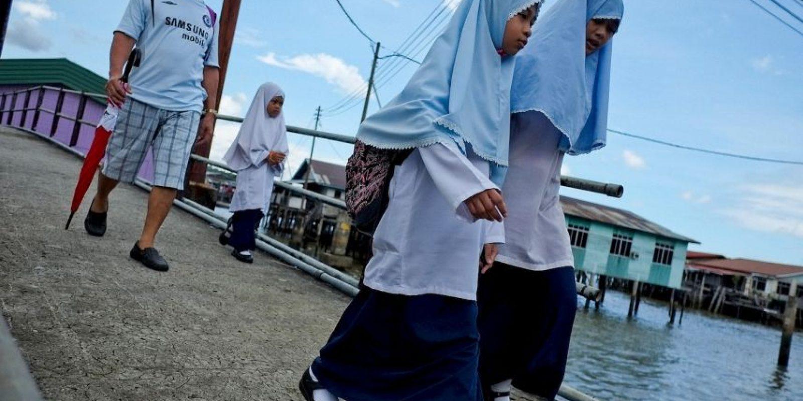 La personas no musulmanas están autorizadas para celebrar, pero sin hacerlo público. Foto:Getty Images