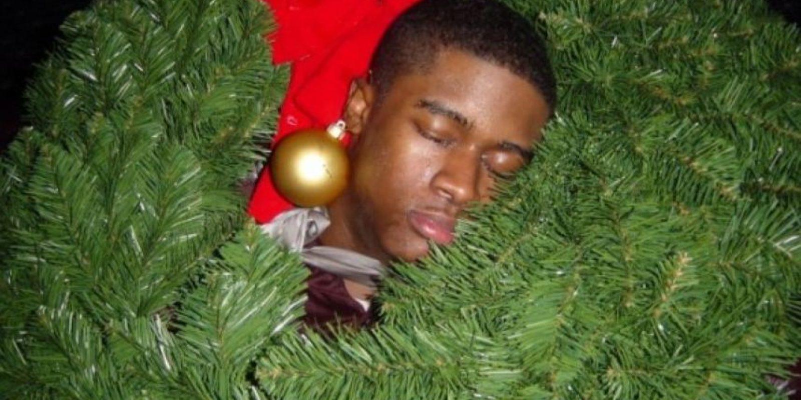 Él celebró en demasía la Navidad Foto:Imgur