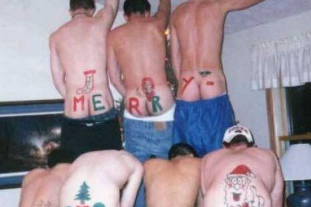 Qué original manera de celebrar la Navidad Foto:Imgur