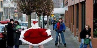 ¡Santa no debría hacer eso! Foto:Know Your Meme