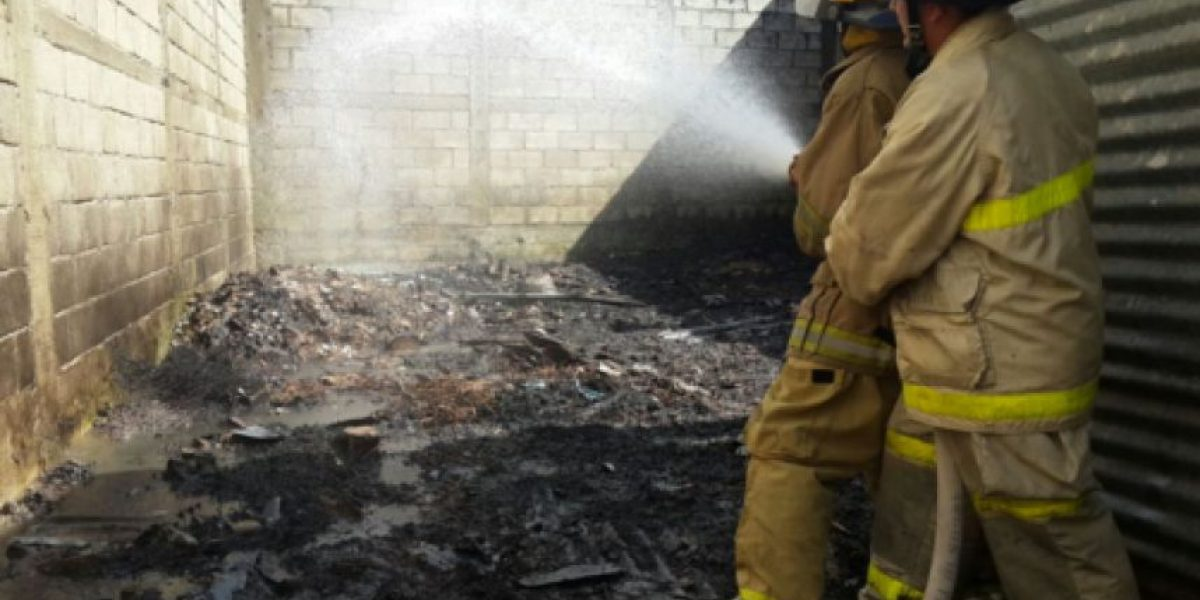 Bomberos sofocan numerosos incendios en las últimas horas