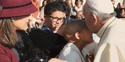 Niña venció el cáncer a un año de ser bendecida por el papa Francisco