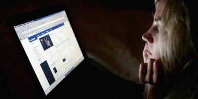 7.- Cambiar el color de Facebook es un atractivo anzuelo para este tipo de engaños, si usan este opción su perfil podría estar monitoreado por ciberdelincuentes. Foto:Getty Images