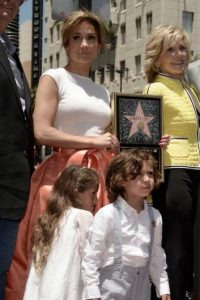 JLo ha intentado alejarlos de la fama… Foto:Getty Images