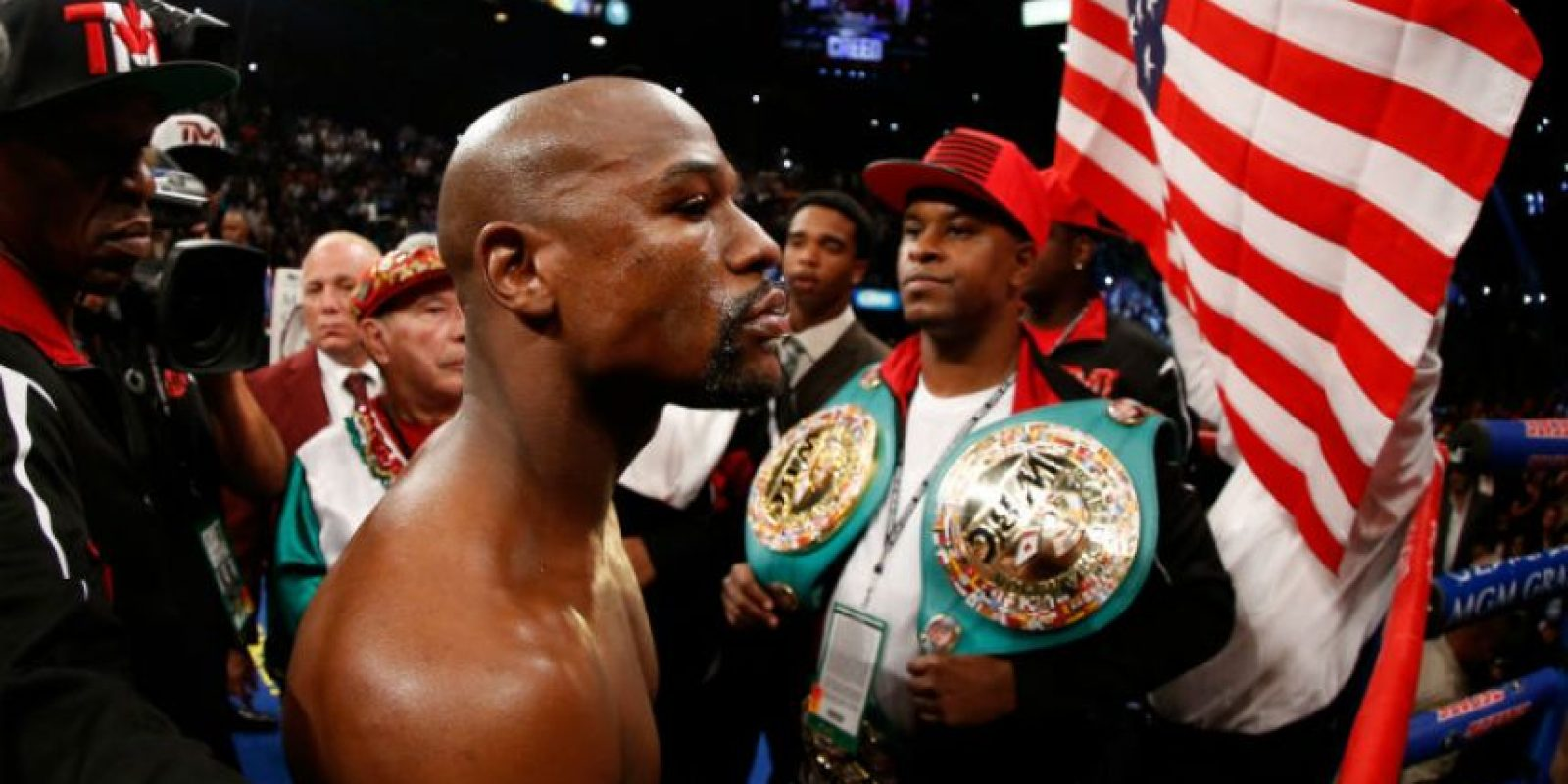 4. Floyd Mayweather y su retiro invicto Foto: Getty Images