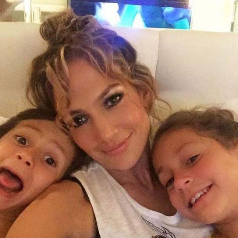 Diversos medios aseguran que Max es muy parecido a su padre, Marc Anthony. Foto:vía instagram.com/jlo