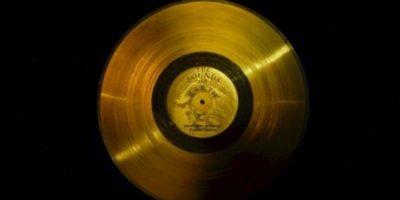 2. El disco de oro de las Voyager. Foto:Wikimedia.org
