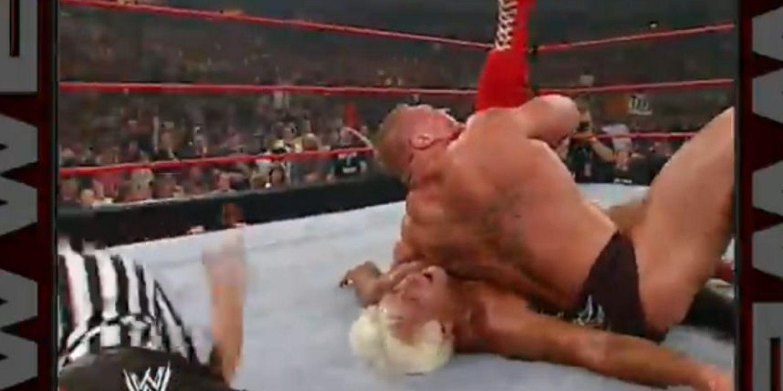 Lesnar se llevó la victoria en esa ocasión Foto:WWE