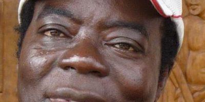 Fotos: Así es la vida del rey africano que gobierna vía Skype