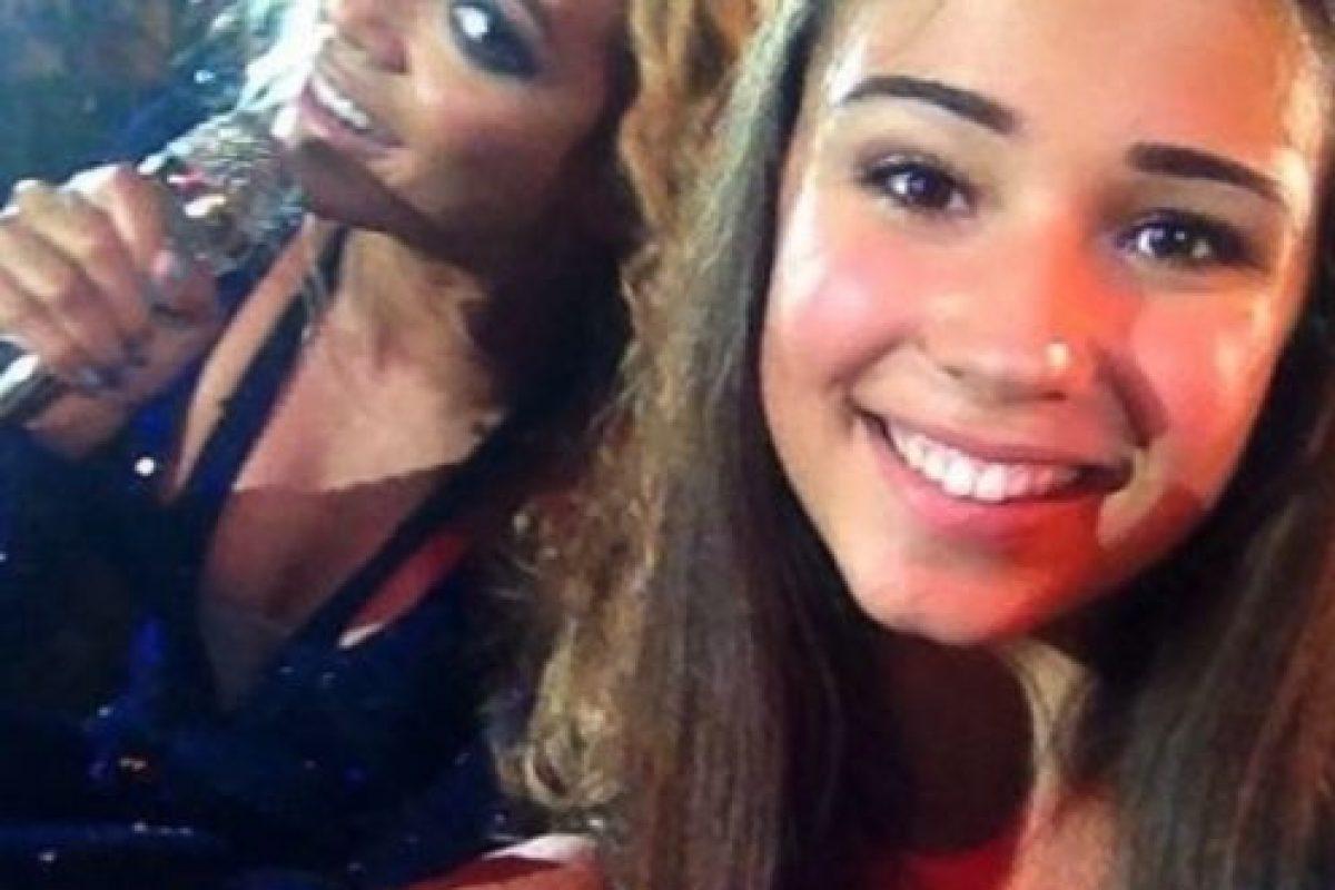 Beyoncé detrás de esta fan. Foto:Twitter
