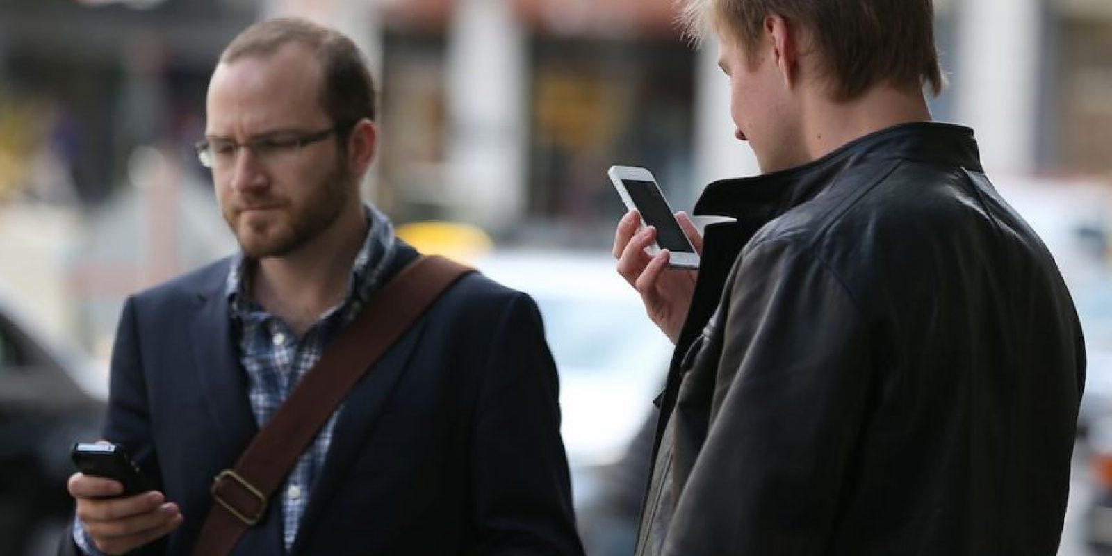 Hombre salvó la vida gracias a su celular. Foto:Getty Images