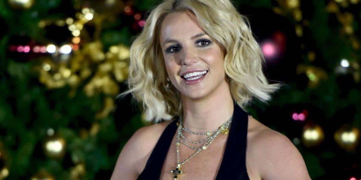Britney Spears sufre un bochornoso accidente al atascarse en un árbol