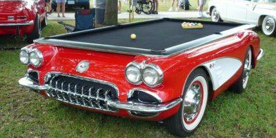 La compañía Car Pool Tables decidió convertir autos en mesas de billar. Foto:Vía carpooltables.com