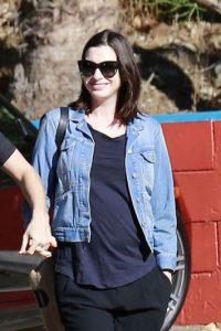 Luego de tres años de feliz matrimonio con el actor Adam Shulman, la ganadora del Óscar, Anne Hathaway se encuentra en la espera de su primer bebé. Foto:Grosby Group