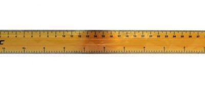 2. Una regla de 30 cms (11pulgadas) Foto:Wikimedia