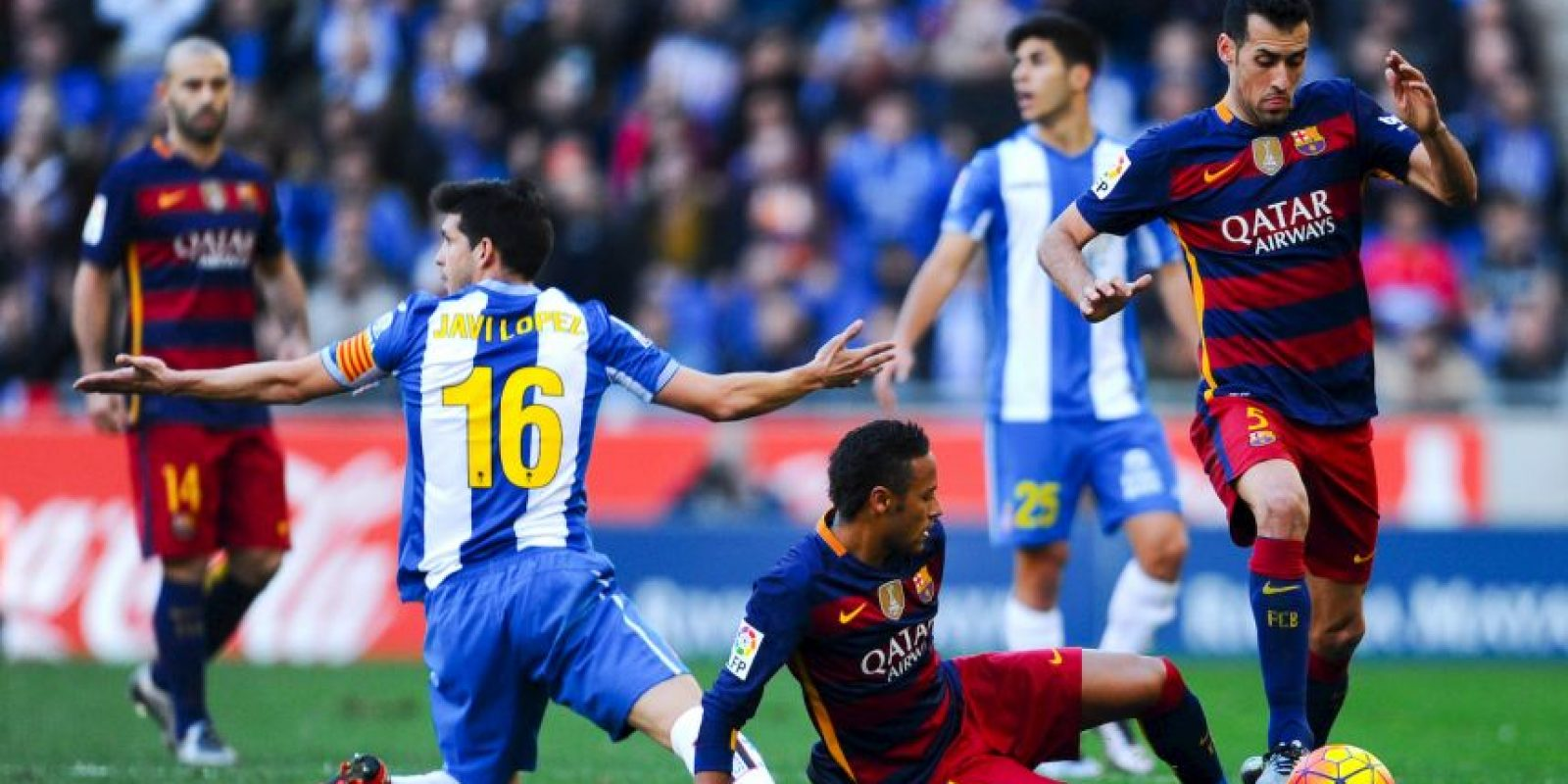 Los culés son segundo lugar de la Liga de España con dos puntos menos que Atlético de Madrid, pero un partido pendiente Foto:Getty Images